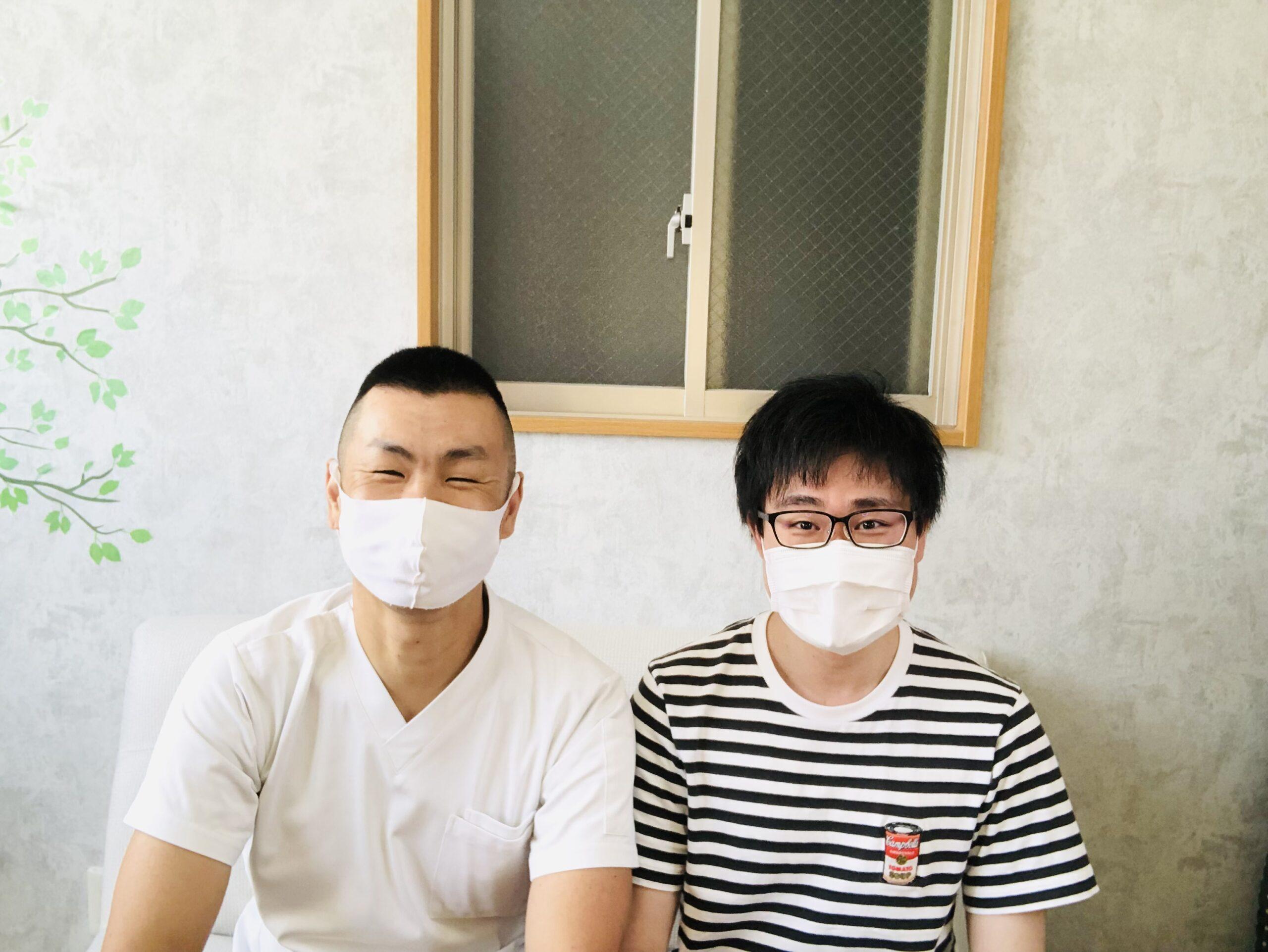 肩こりの患者さんイメージ 広島慢性痛専門ひろの整体院